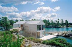 加拿大休伦湖上的漂浮屋