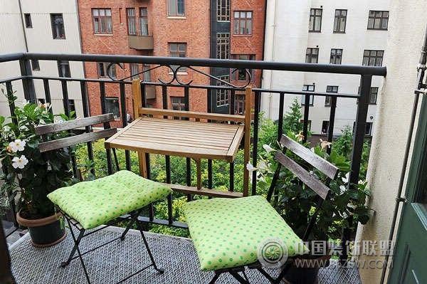 85平米瑞典屋顶公寓_欧式公寓装修效果图