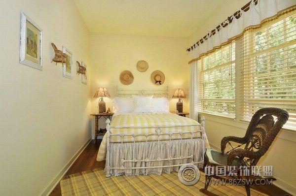 背景墙 房间 家居 起居室 设计 卧室 卧室装修 现代 装修 600_398