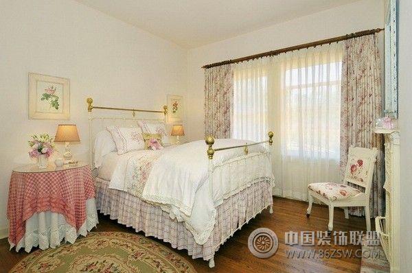 美国乡村别墅美式卧室装修图片