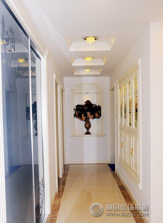 118平古典欧式温馨公寓古典过道装修图片