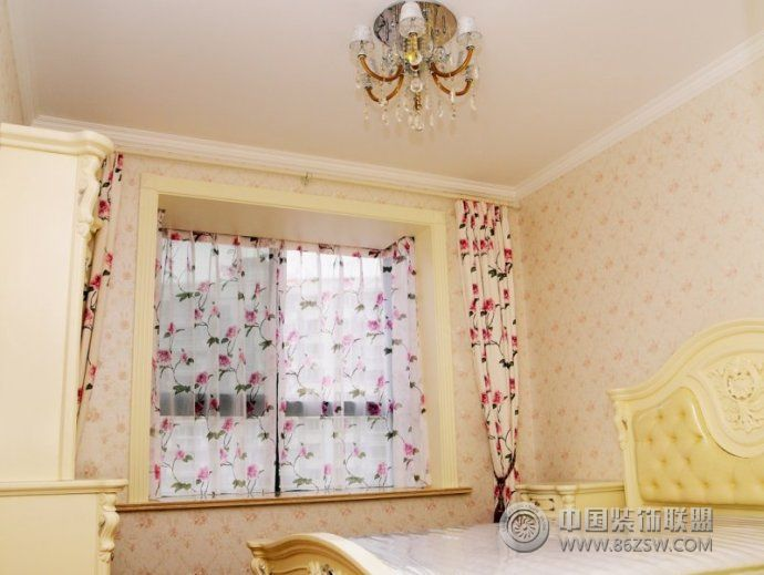 118平古典歐式溫馨公寓古典臥室裝修圖片