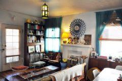 经典款美式风情住宅 深色地板搭配彩色家