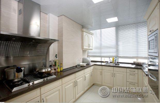 奢华欧式风格装修 华丽温暖黄色调家居欧式厨房装修