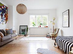 简单温馨的36平米多彩单身公寓