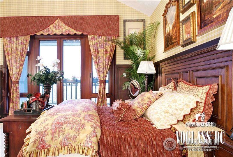 主卧室欧式效果图深色床