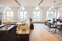 宽敞明亮的住宅 木质色打造的自然清新