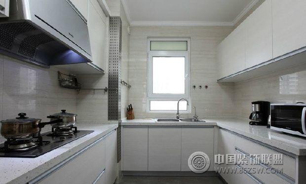 现代简约风格装修 素雅清新自然范儿现代简约厨房装修图片
