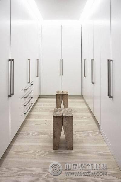 现代简约风格公寓设计 简洁大方有特色 客厅装修效果图