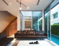 采光好的现代简约复式住宅