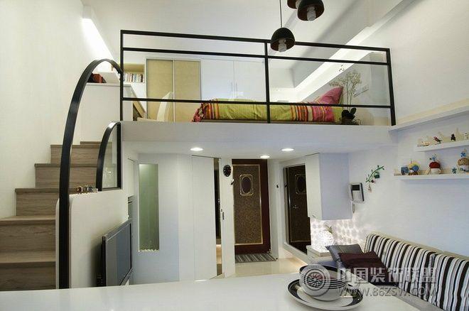 33平米高挑复式现代客厅装修图片