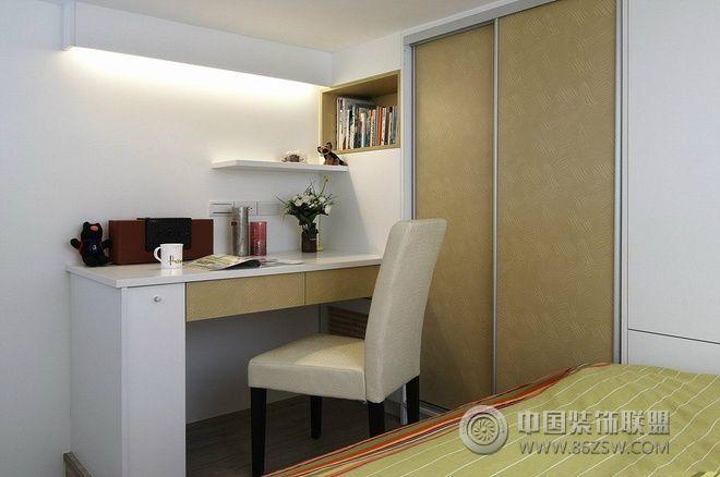 33平米高挑复式现代卧室装修图片
