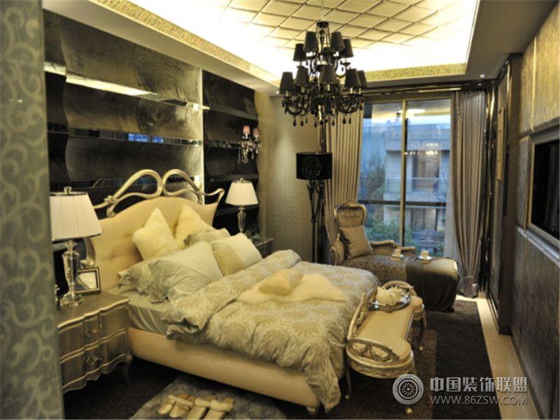 风格效果图欣赏(二十四)美式风格卧室 >>下一张:金城君悦欧式风格卧室
