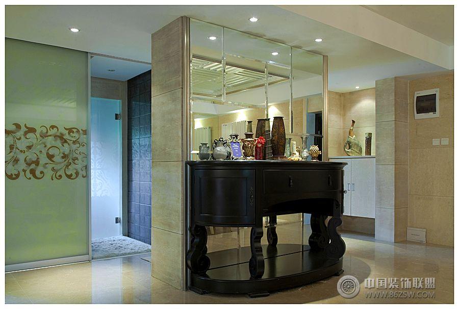 关镜面墙装修效果图 3款奢华玄关拼镜背景墙造型设计图片