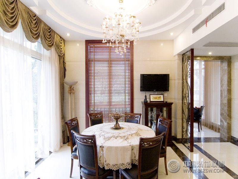 美式风格的豪华别墅设计图 卫生间装修效果图