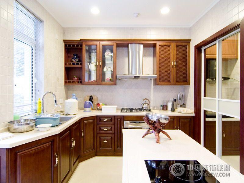 美式风格的豪华别墅设计图卫生间装修图片