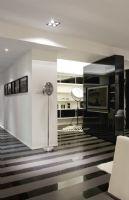 现代黑白风格两室两厅装修图