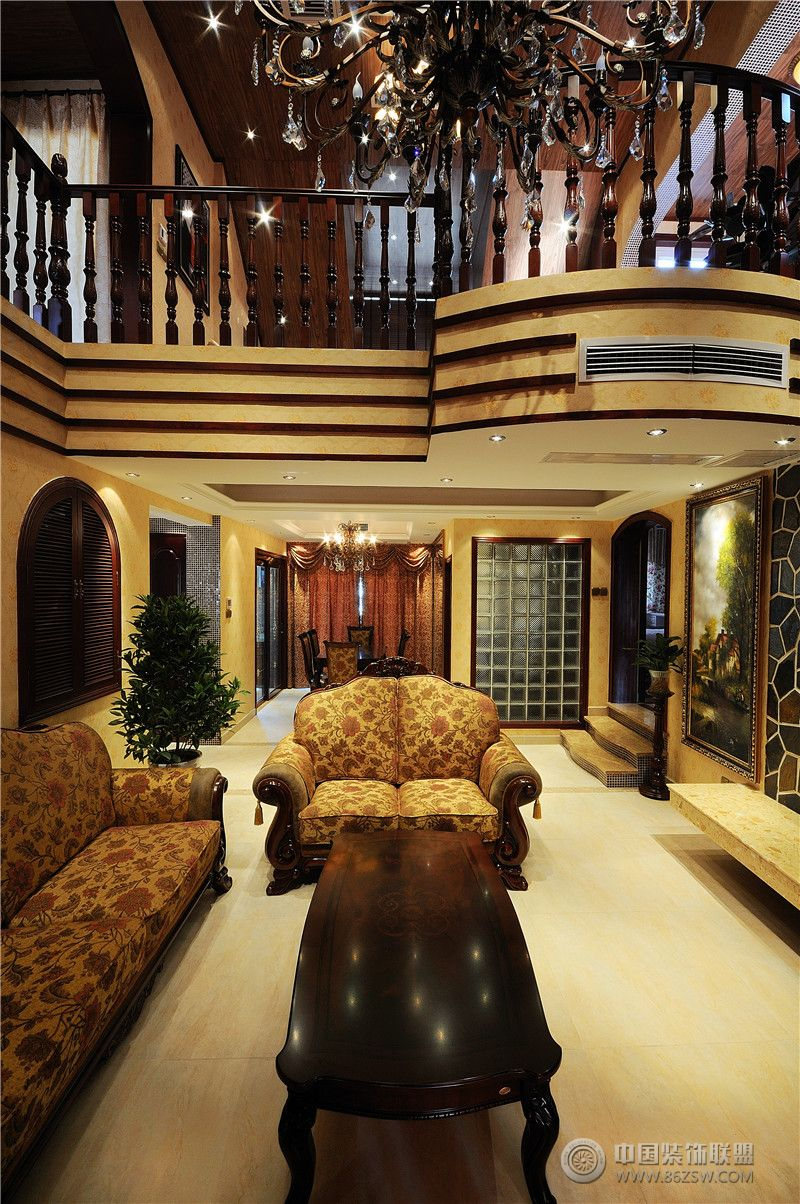 古典欧式风格别墅欧式客厅装修图片