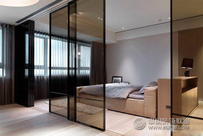 查看该客厅图片所在的案例套图   案例:   最新玻璃隔断设