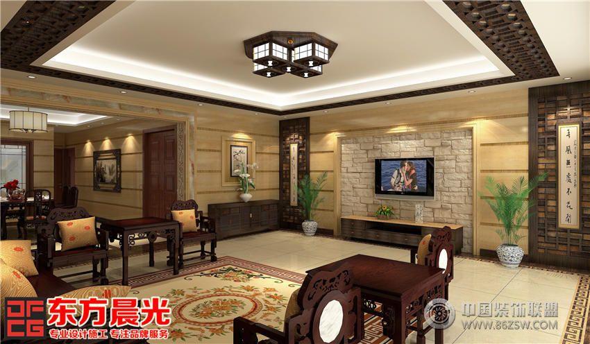 中式别墅装修设计的客厅中央摆放着古典质朴的