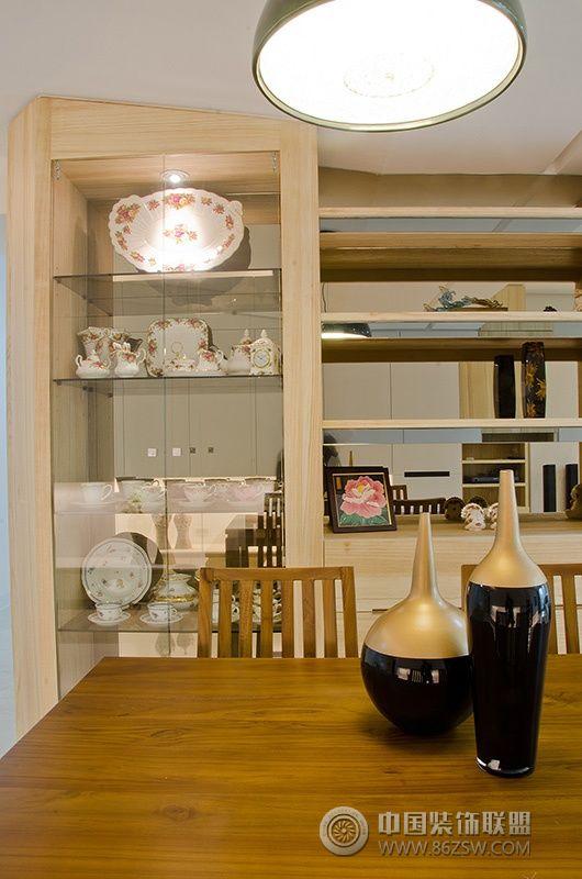 82平温馨婚房 客厅装修效果图高清图片