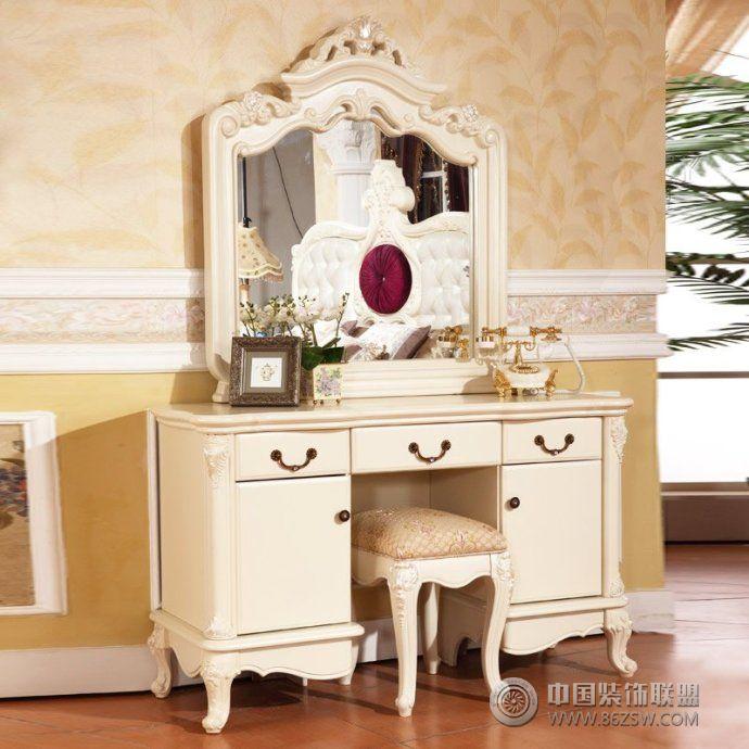 潮女梳妆台创意设计现代卧室装修图片