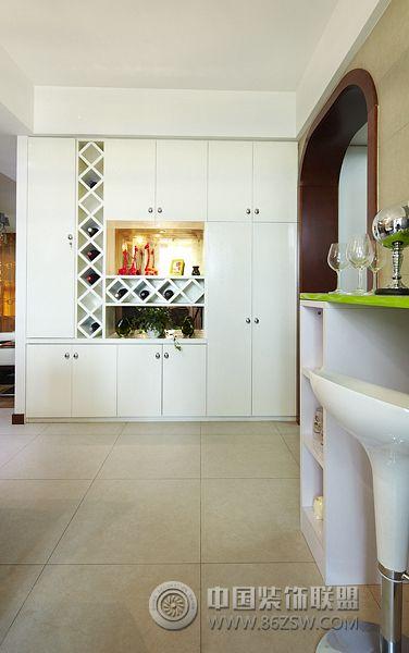 122平三室两厅两卫装修案例 客厅装修图片