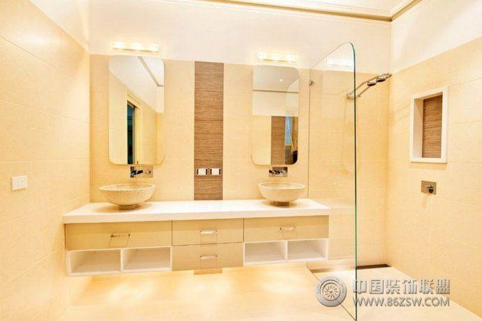 高端浴室装修效果图