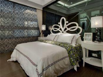 175平日式风格装修案例混搭卧室装修图片