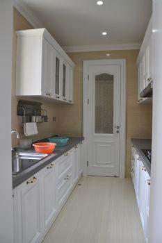 156平欧式奢华公寓欧式厨房装修图片