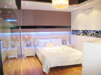 风格迥异衣柜装修效果图现代卧室装修图片