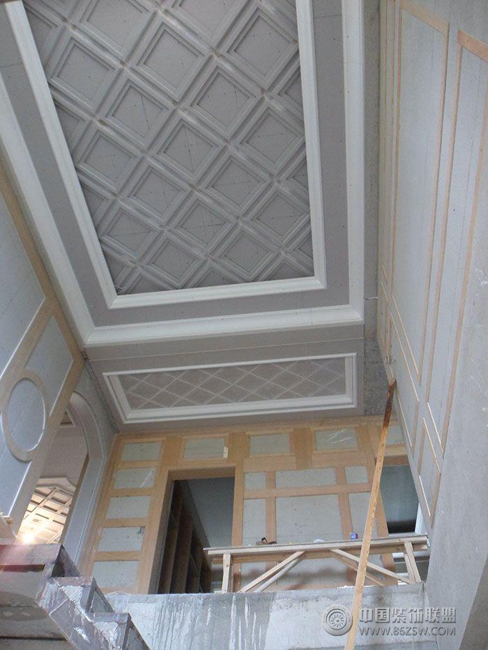 现场施工图欧式客厅装修图片