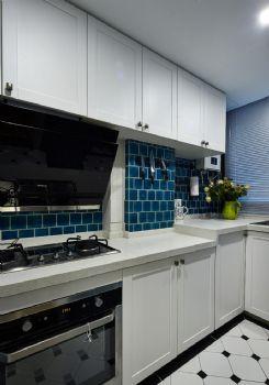 84平演绎华丽高贵温馨的浪漫主义混搭厨房装修图片