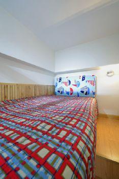 70平简约小户型打造温馨小窝简约卧室装修图片