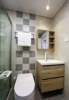 140平复式简约原木装修案例简约卫生间装修图片