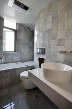 104平美式风大户型装修设计美式卫生间装修图片