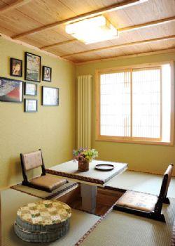 榻榻米床精巧设计现代阳台装修图片