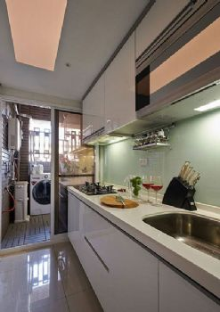 82平欧式两居装修效果图欧式厨房装修图片