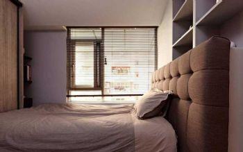 82平简约原木两居装修案例简约卧室装修图片