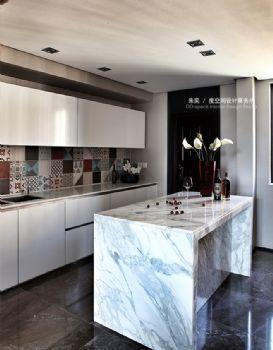 現代簡約loft裝修案例現代風格廚房裝修圖片