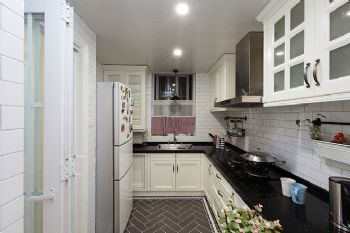 美式風格二居案例欣賞美式風格廚房裝修圖片