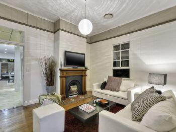 木质现代简约别墅装修案例