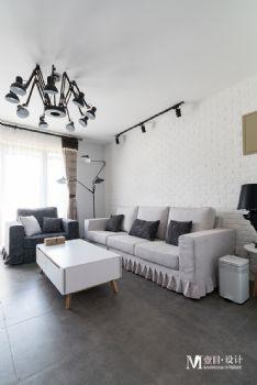 現代工業色彩復式公寓設計案例