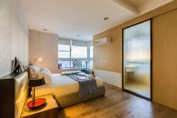 明亮色彩簡約三居裝修案例現代臥室裝修圖片