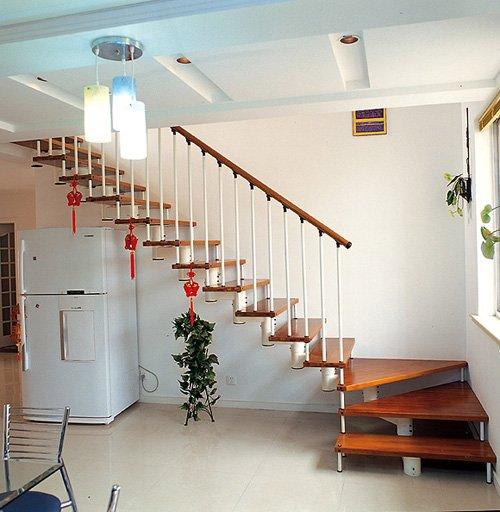 餐馆楼梯间装修图