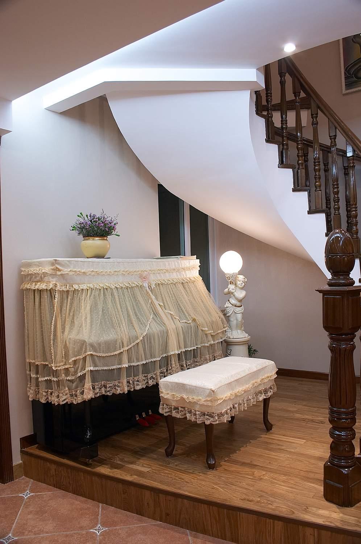 楼梯图片欣赏2现代阁楼装修图片
