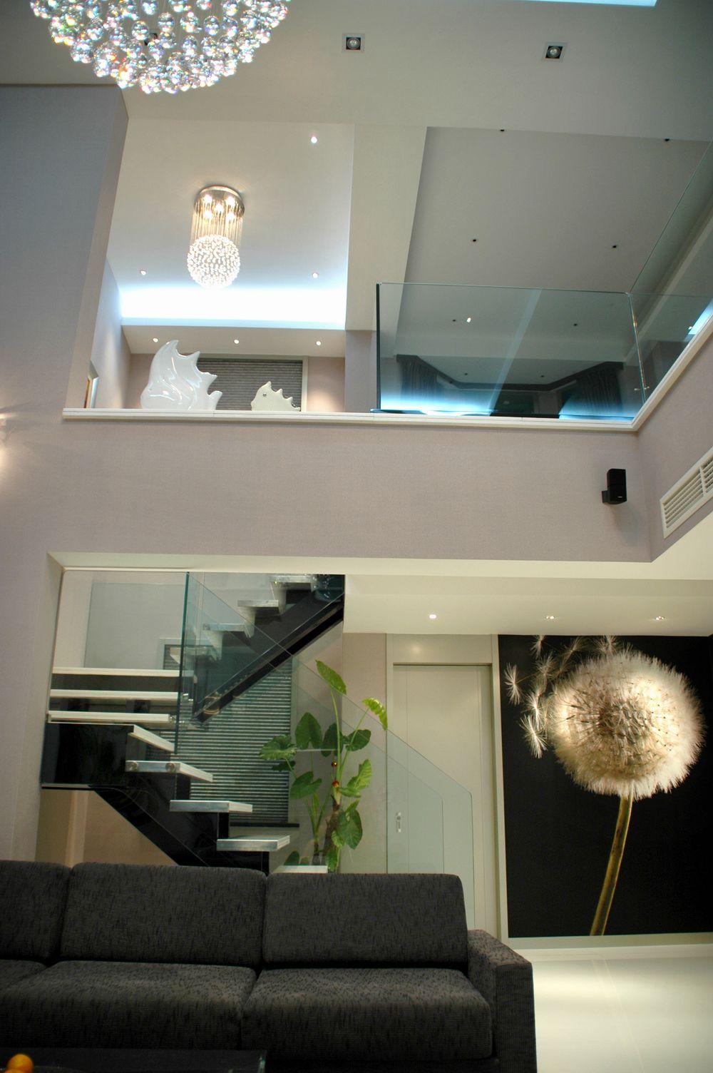 楼梯图片欣赏3现代阁楼装修图片