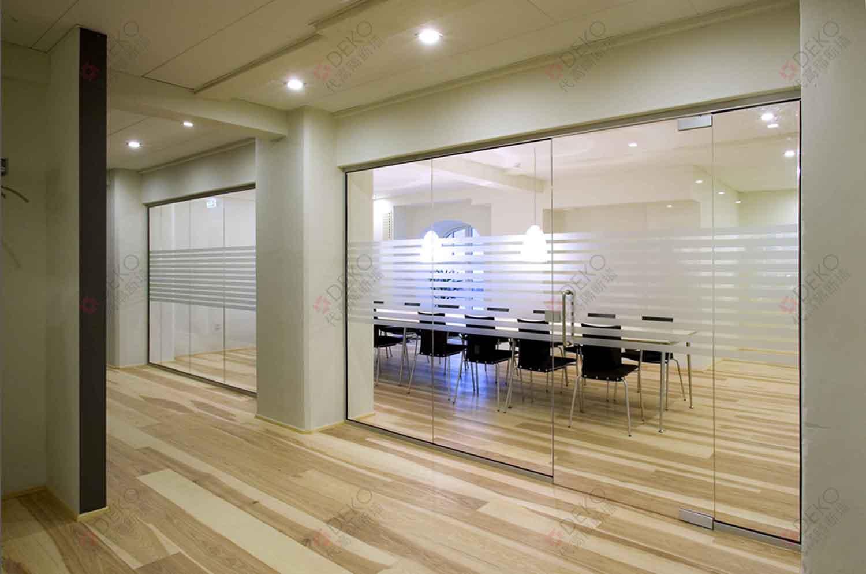 客厅隔断墙装修效果图,干湿分离卫生间隔断墙,厨房客厅隔断墙效
