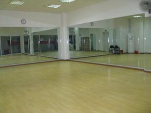 舞蹈教室装修效果图,学校舞蹈室装修效果图,舞蹈房装修效果
